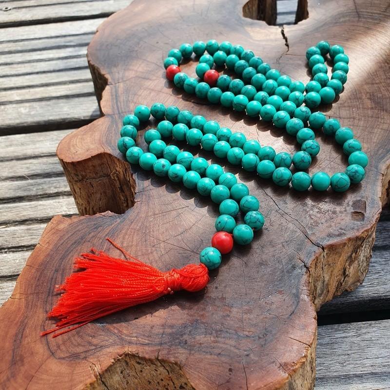 Collier mala tibétain en howlite de couleur turquoise