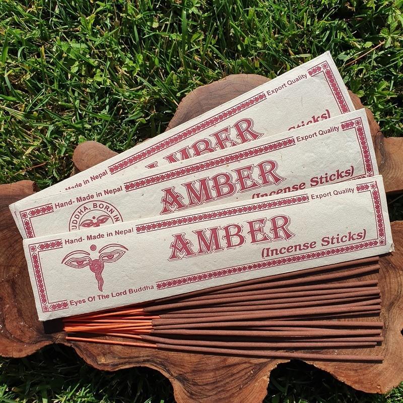 Amber - Encens ambre en bâtonnets roulés à la main au Népal
