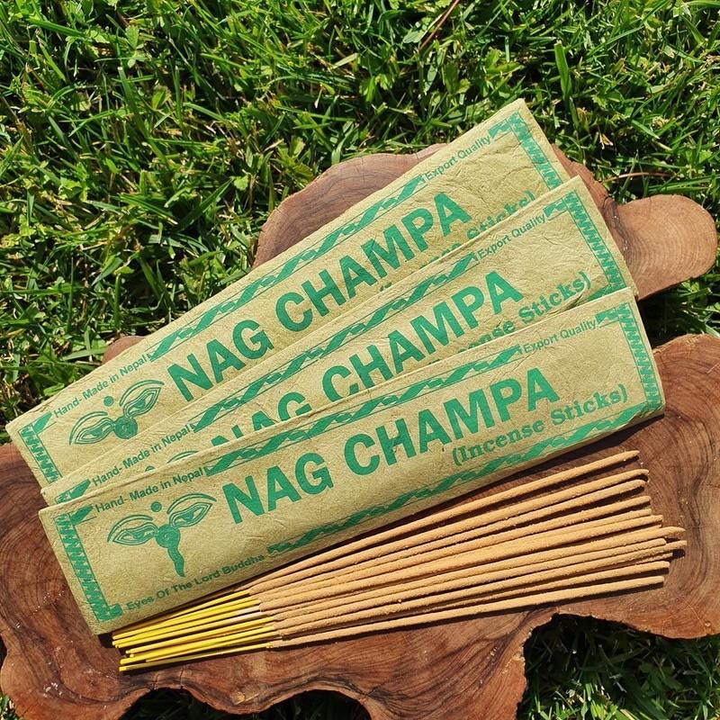 Nag Champa - 15 bâtonnets d'encens roulés à la main au Népal