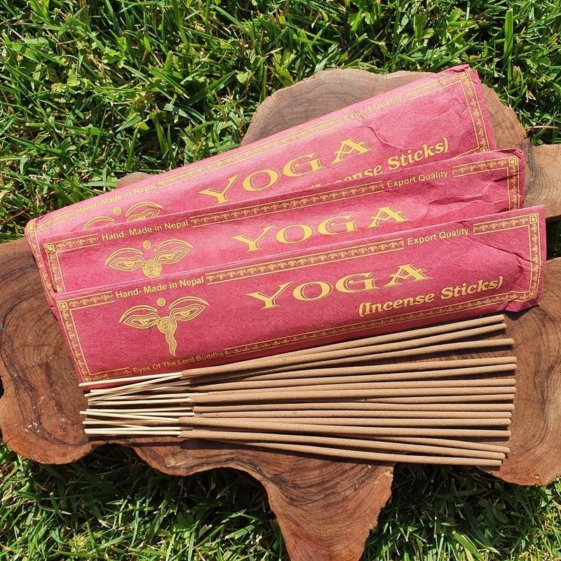 Yoga - 15 bâtonnets d'encens népalais roulés à la main