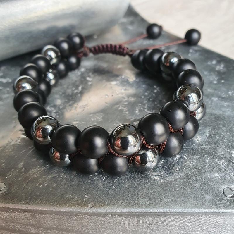 bracelet shamballa en pierre hématite et shaligram