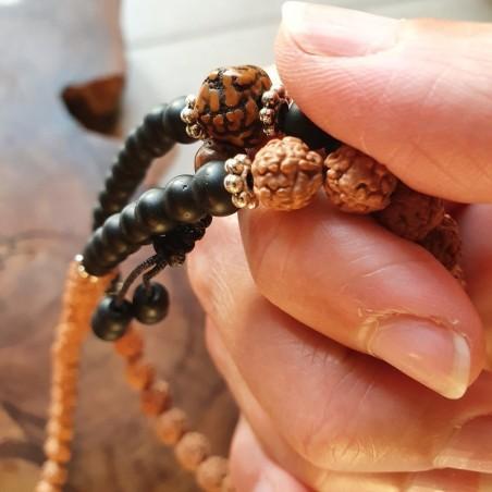 Collier mala tibétain en shaligram et graines de rudraksha - Colliers malas tibétains