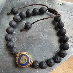 Bracelet en pierre de lave...
