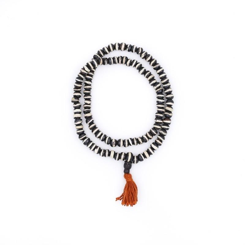 Collier mala tibétain en os de yak teinté en noir et blanc
