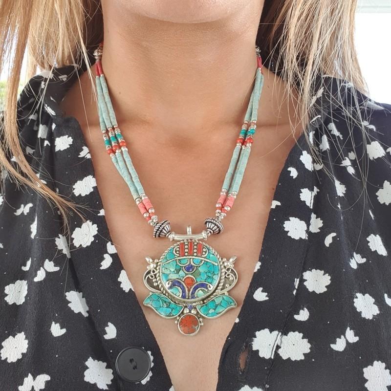 Kunsang - Collier tibétain en turquoise et corail