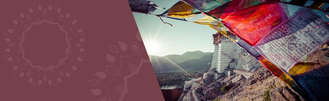 drapeaux de prières tibétains